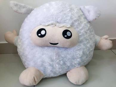 Giant White N Fluffy Sheep