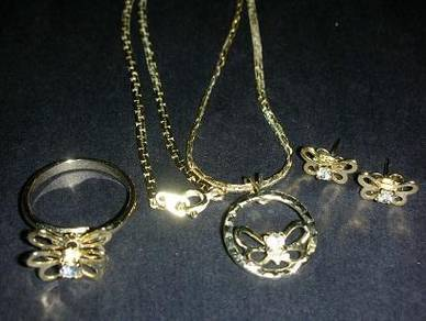 N134 Vintage Necklace Earrings Ring 5pcs set
