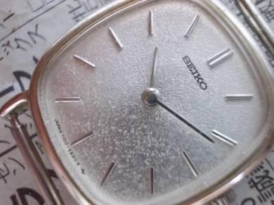 Vintage seiko manual wind watch nos
