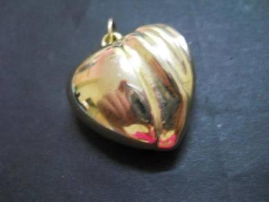 P035 Fashion vintage heart pendant