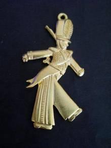 P042 Vintage fashion cute soldier pendant