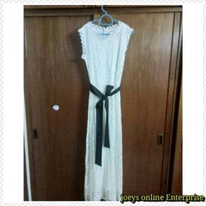Preloved new white lace long dress