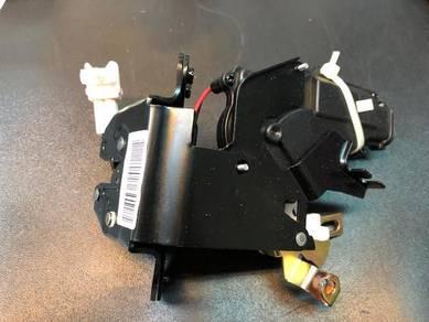 Chery Eastar Bonnet Motor Lock