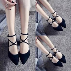 Black pointed toe strappy chunky high heels shoes