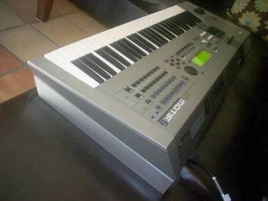 Yamaha Motif 6 61 Key Synthesizer