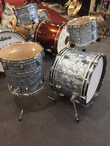 Ludwig-Classic-Maple-13-16-22-Sky-Blue-Pearl-Drum