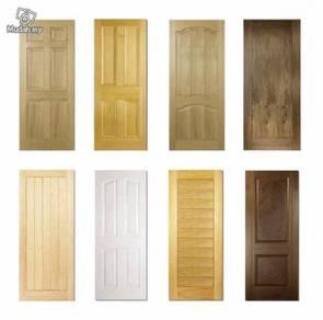 Solid wooden door with design