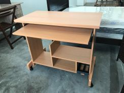 Wrting Table with roller / Meja roda