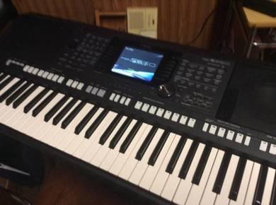 Yamaha PSRS950 61 Key Arranger Keyboard Workstatio