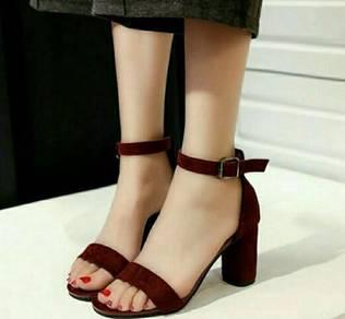 Lace plate heels(lelong)