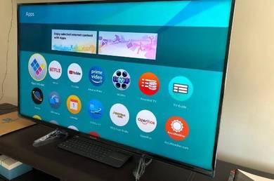 Panasonic SMART TV 49inch tip top
