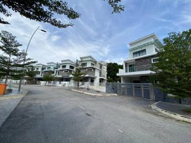 Zero Lot Bungalow Quas Residence, taman bukit ria, kajang,