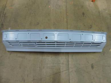 Mercedes W201 190E New Model Front Bumper Kosong
