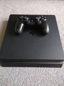 PS4 Slim 500gb With Controller   20 extra Games
