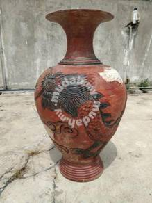 Large antique vase with 4-Clawed Dragon