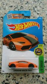 HotWheels Lamborghini Huracan (orange)