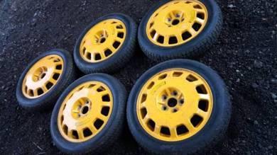 Honda legend KB1 spare tyre 17