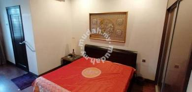 OUG/Taman Yarl Bungalow Bedroom for Rent