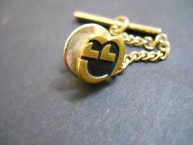 PN042 Vintage pin