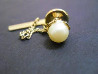 PN040 Vintage pearl pin