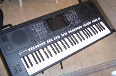 Yamaha psr s750 arranger keyboard