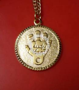 ABPGM-H001 Lucky Hand Gold Plated Pendant Necklace