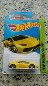 HotWheels Lamborghini Huracan (yellow)
