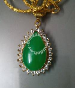 ABPGM-W001 Golden Green Jade Water Drop Necklace
