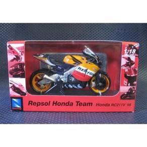 Newray 1:18 2005 Honda #3 MotoGP Diecast Motor