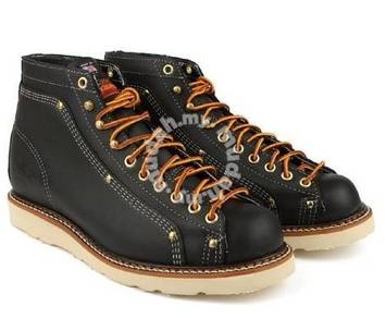Classic work boots shoes Thorogood USA