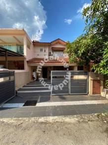 RENOVATED 2 Storey Terrace Taman Tasik Puchong Puchong