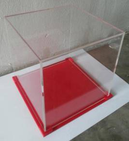 Red Acrylic Display Case Without Stage 01