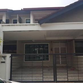 Rumah 2 tingkat Pinggiran Kota
