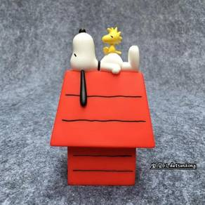 Peanuts Snoopy & Woodstock Red House Toy Figure