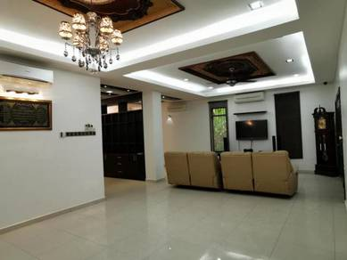 Renovated 2.5 Sty Semi D House PUNCAK BANGI near Golf Resort