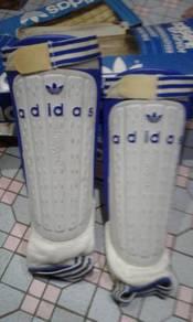 Adidas vintage shing pad 80an era