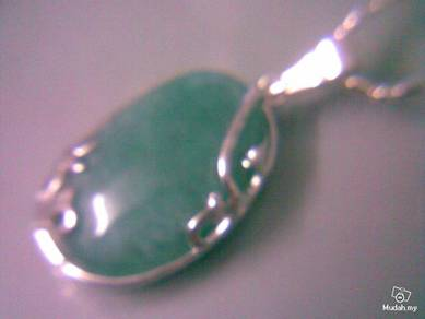 ABPJ-U002 Green Jade Silver Unique Oval Style Neck