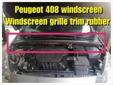 Peugeot 408 308 windscreen grille wiper plate cove
