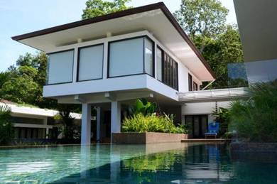 Modern-style Villa with infinity pool within low-dense guarded scheme