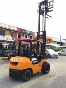 Japan Import TOYOTA 3 Ton 7FD30 Diesel Forklift