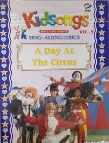 VCD Kidsongs Sing Along Lyrics A Day At The Circus