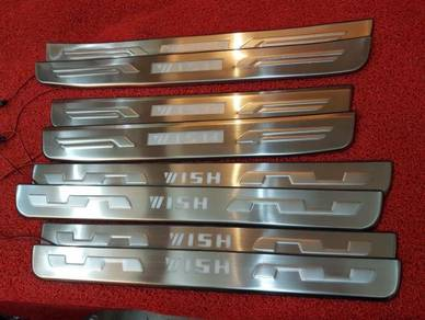 Toyota wish led side door step sill plate led