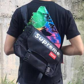 Supreme black slingbag