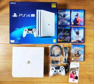 PlayStation PS4 Pro 1TB 4K White + 5 Games