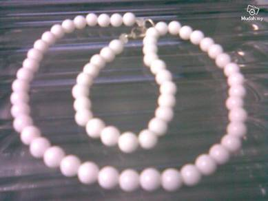 ABNJ-W004 9MM White Jade Round Beads 16'' Necklace