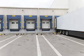 Subang, 40 ft height warehouse with 4 loading bays for RENT