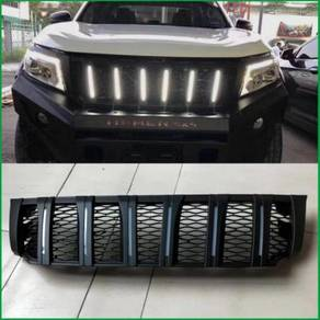 Nissan Navara NP300 Modell Hummer Grill With LED