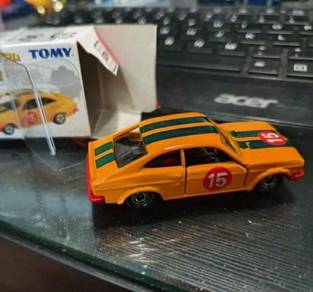 Tomica nissan sunny 1200 coupe