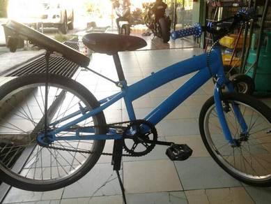 Basikal lajak standart