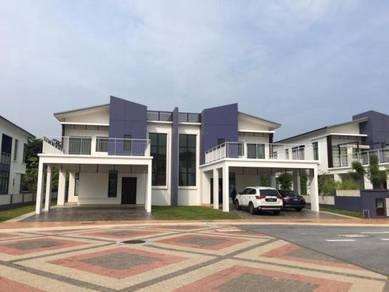 (CHEAPEST SPACIOUS} CYBERJAYA Perdana Lakeview East, Good Condition